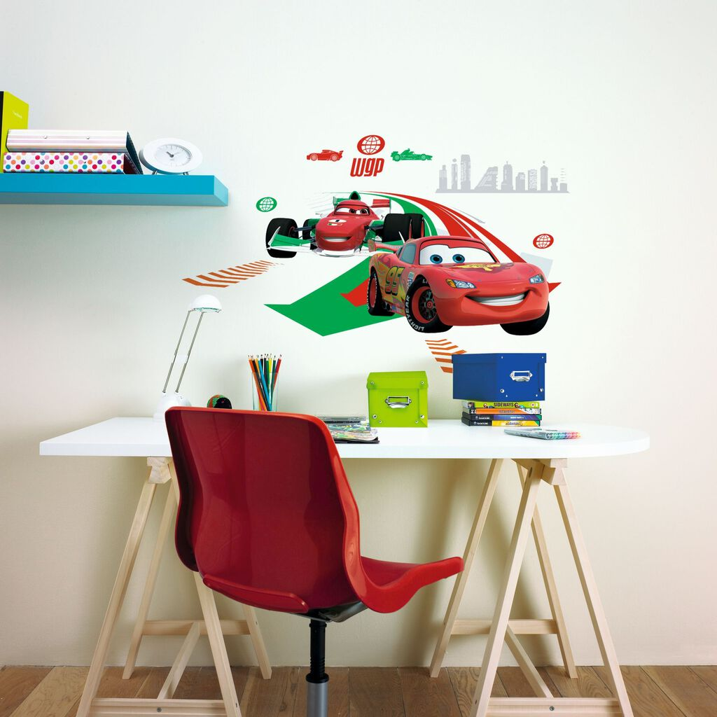 cars 2 gro e sticker f r die wand graham brown. Black Bedroom Furniture Sets. Home Design Ideas