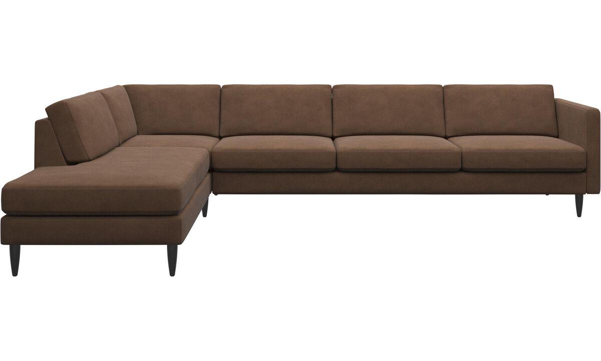 Sofás con lado abierto - sofá esquinero Osaka con módulo de descanso, asiento regular - En marrón - Tela