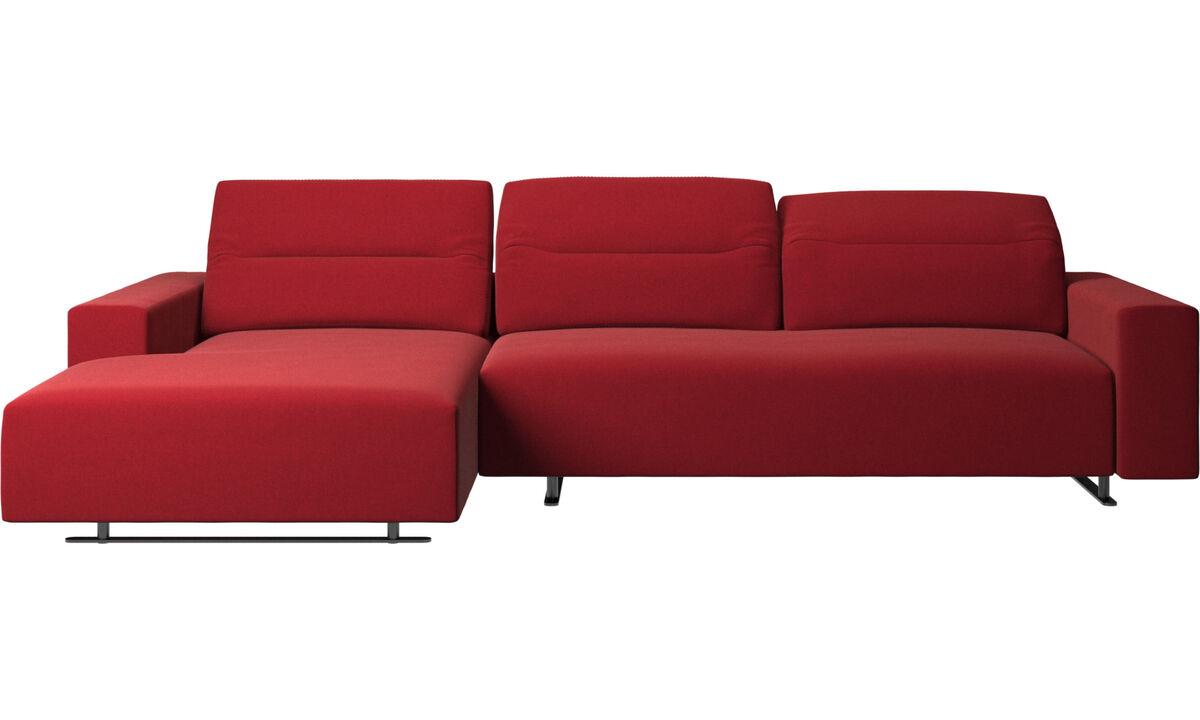 Sofás com chaise - Sofá Hampton com parte traseira ajustável, unidade de descanso e armazenamento de ambos os lados - Vermelho - Tecido