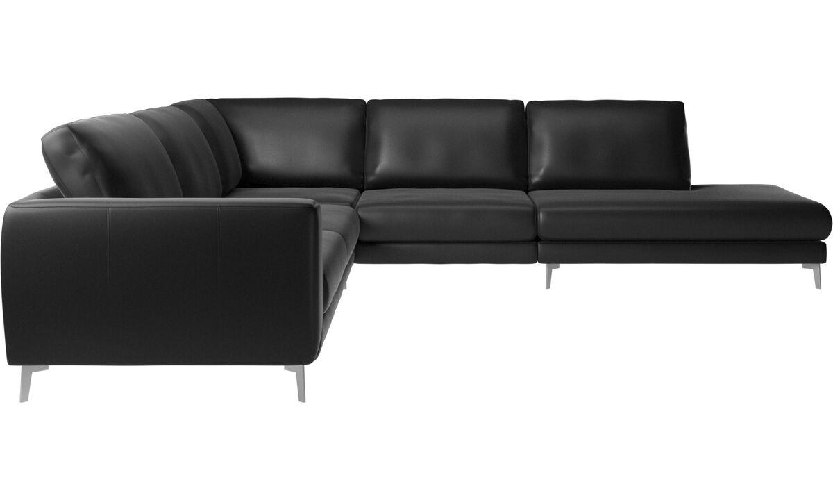 Sofás esquineros - Sofá esquinero Fargo con módulo de descanso - En negro - Piel