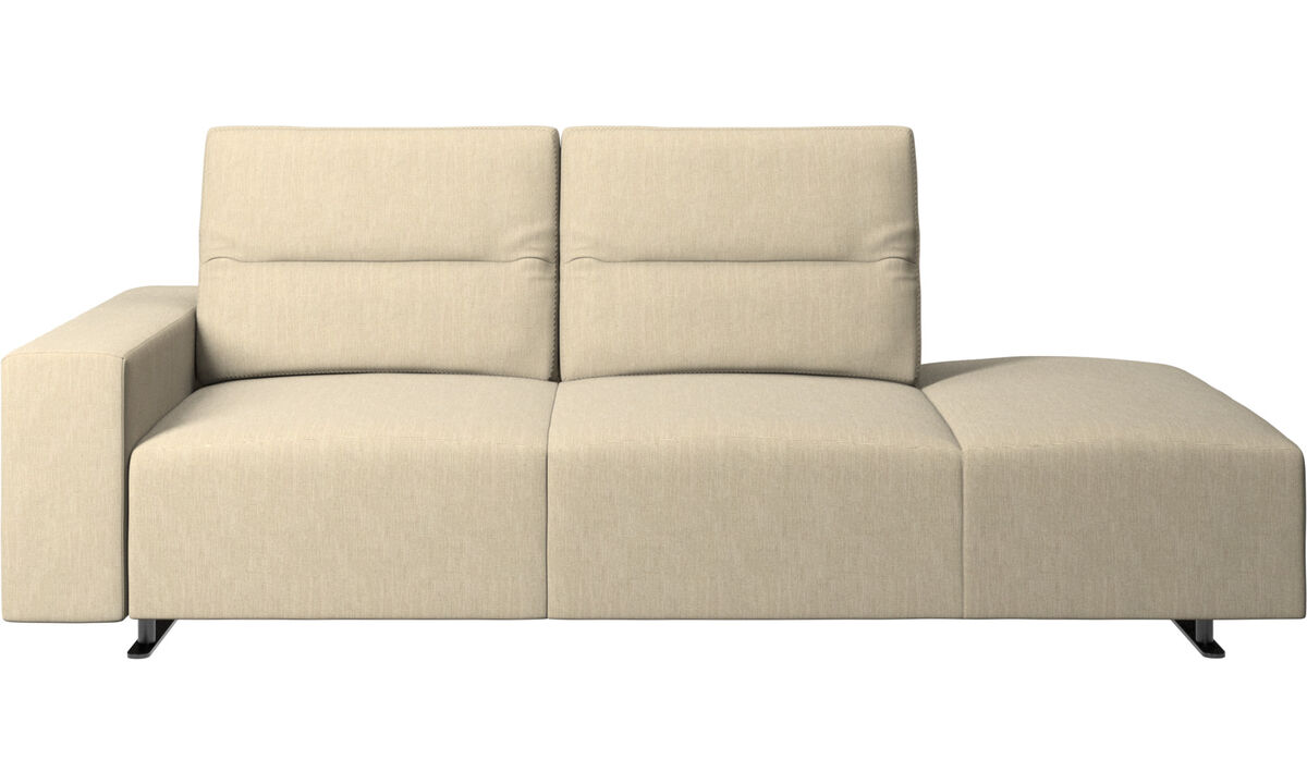 Sofas with open end - Divano Hampton con schienale regolabile e modulo relax sul lato destro, contenitore e bracciolo sul lato sinistro - Marrone - Tessuto