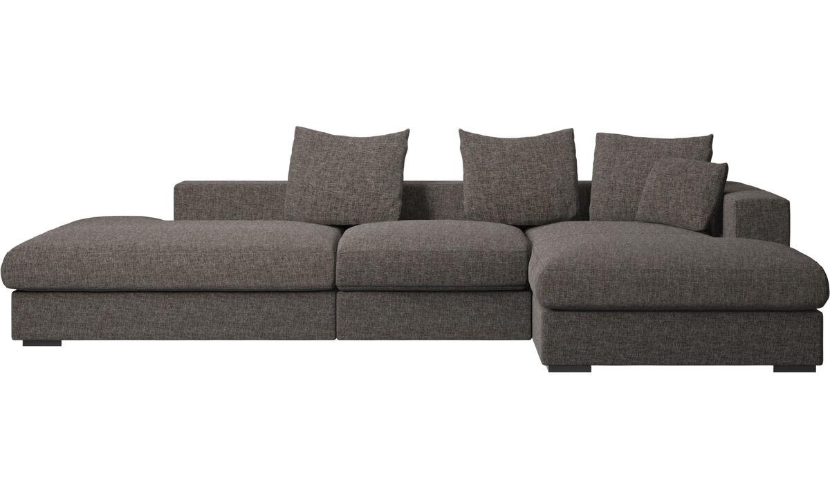 Sofás con lado abierto - Sofá Cenova con módulos de descanso y chaise-longue - En marrón - Tela