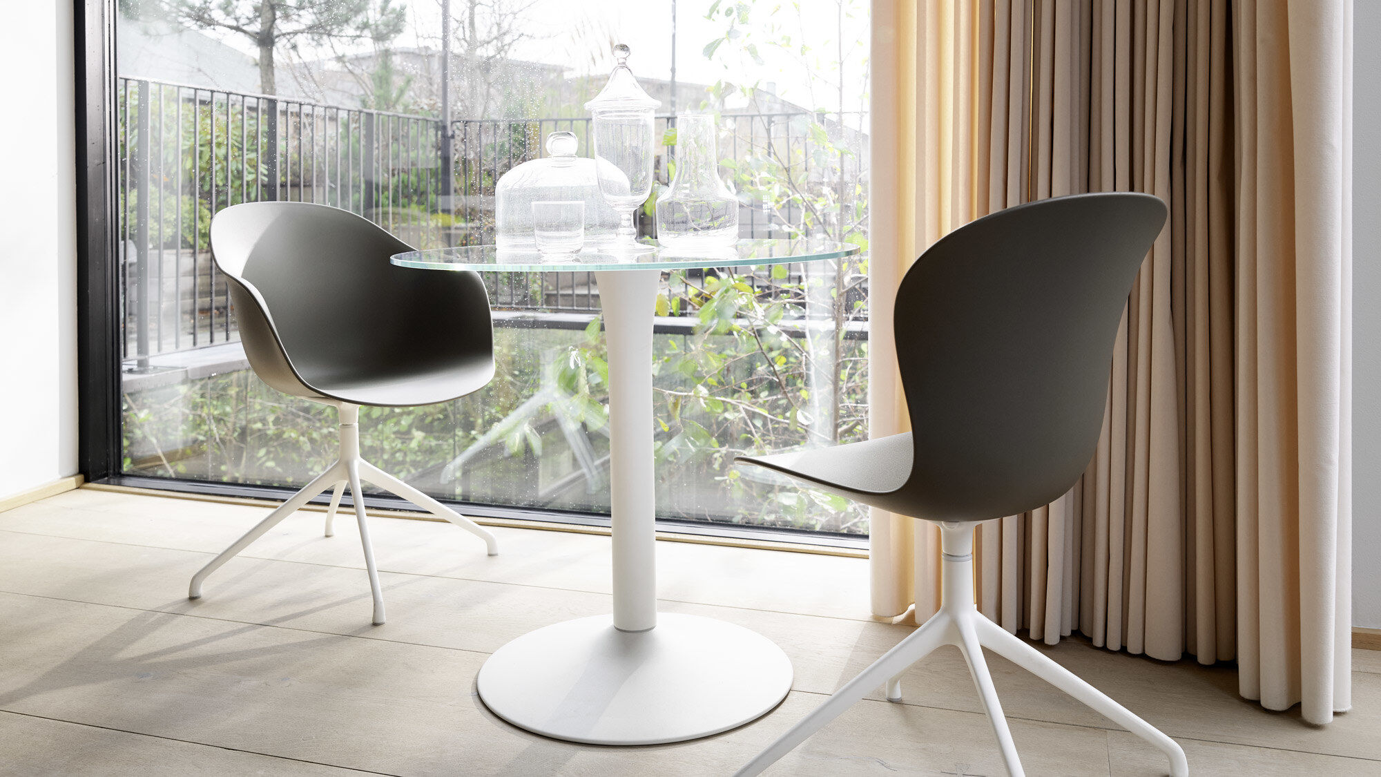 Glass dining tables - New York table