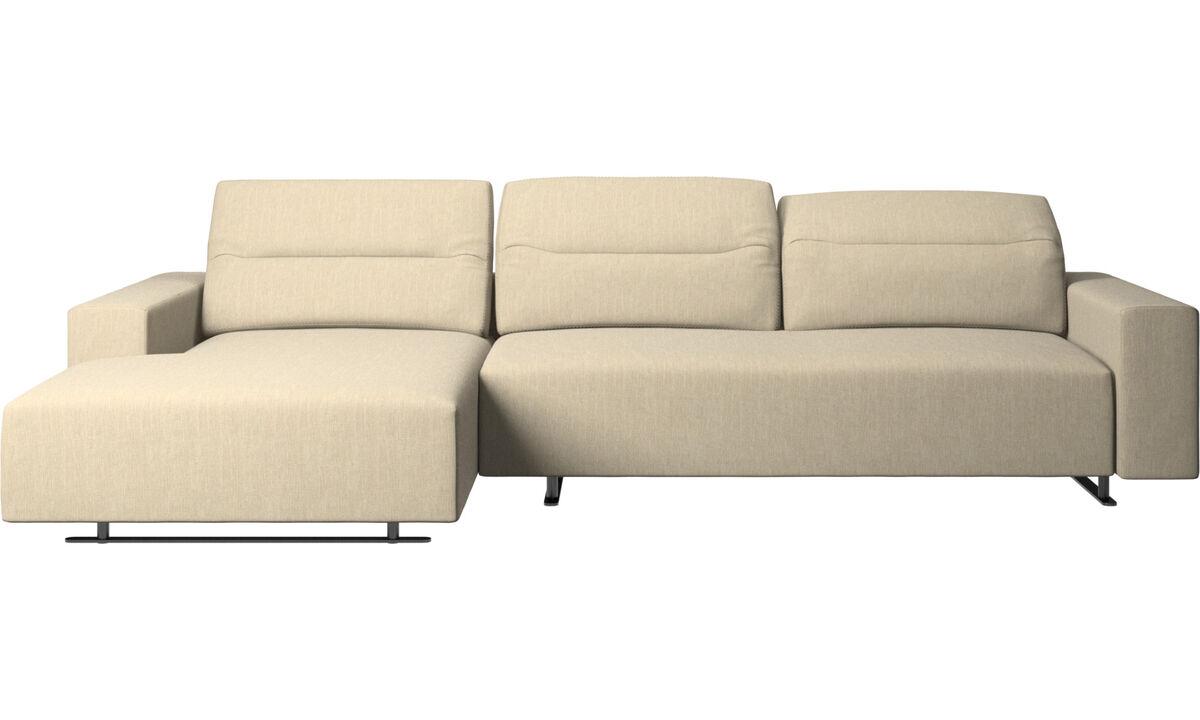 Sofás con chaise longue - Sofá Hampton con respaldo ajustable y módulo de descanso en lado izquierdo, almacenamiento lado derecho - En marrón - Tela