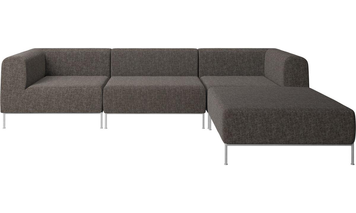 Modulare Sofas - Miami Sofa mit Pouf auf der rechten Seite - Braun - Stoff