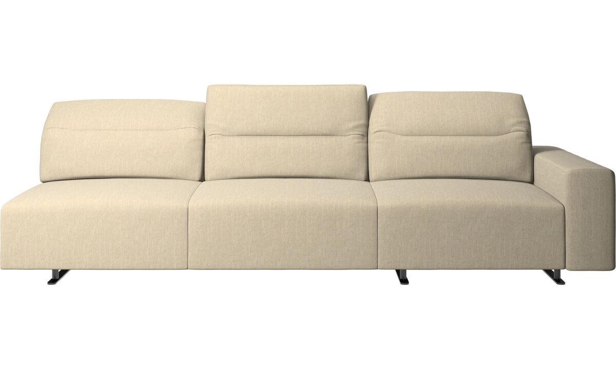 Sofás de 3 plazas - Sofá esquinero Hampton con respaldo ajustable y almacenamiento en lado derecho - En marrón - Tela