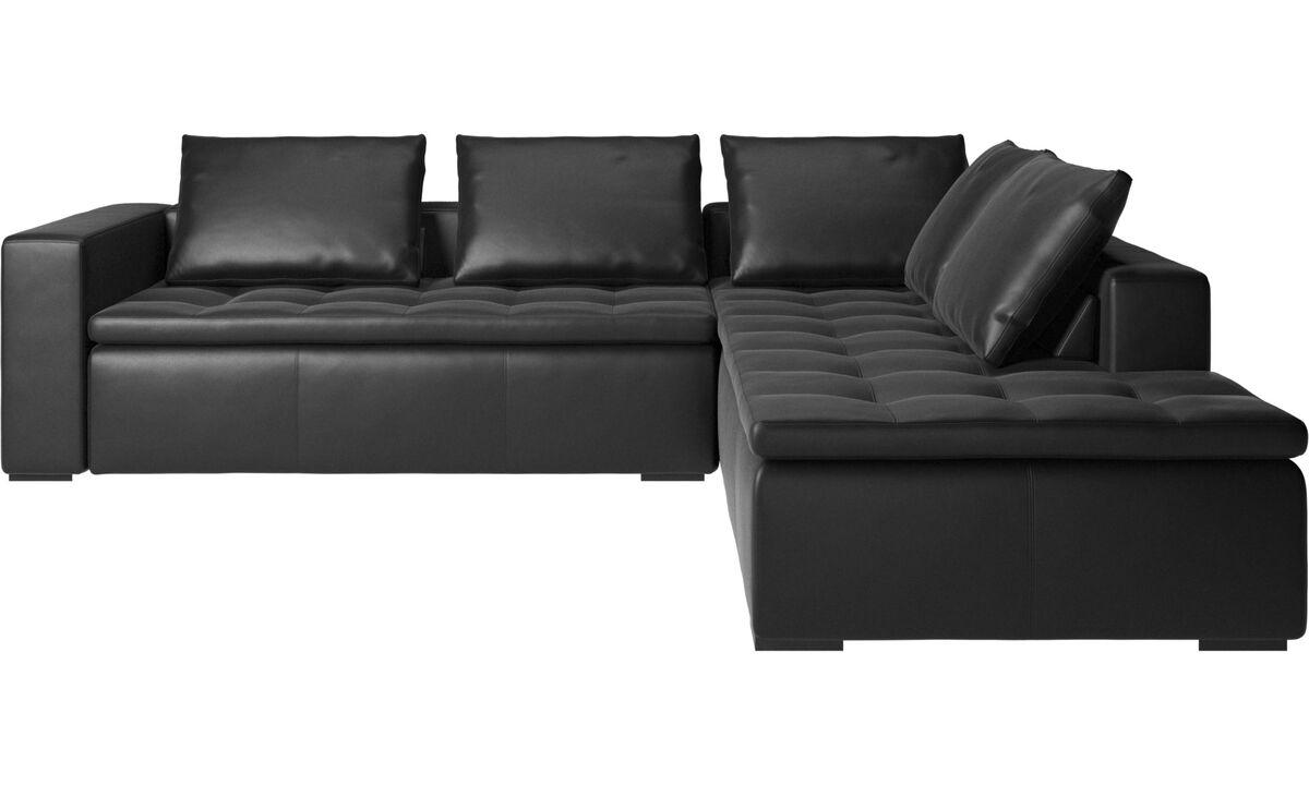 Sofás esquineros - Sofá esquinero Mezzo con módulo de descanso - En negro - Piel