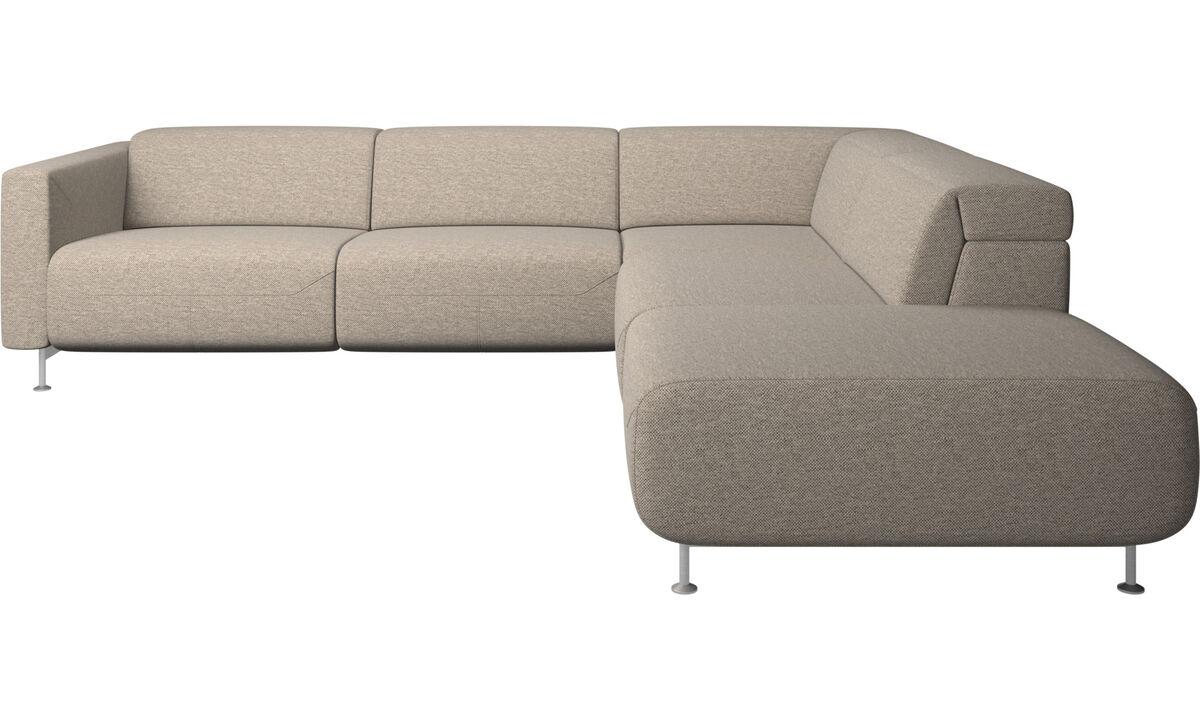 Диваны-реклайнеры - угловой диван-реклайнер Parma с открытым модулем - Бежевого цвета - Tкань