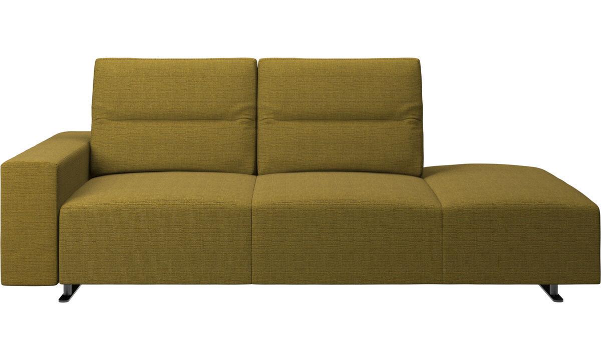 Sofas with open end - divano Hampton con schienale regolabile e modulo relax sul lato destro, contenitore e bracciolo sul lato sinistro - Giallo - Tessuto