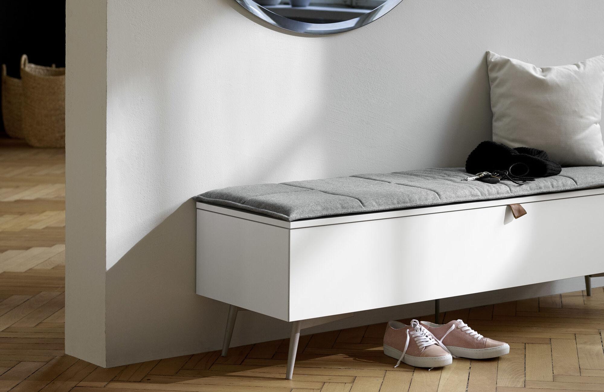 Diseños de Morten Georgsen - Banco Lugano con almacenamiento