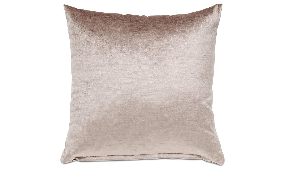 Подушки из бархата - Подушка 'Velvet' - Бежевого цвета - Tкань