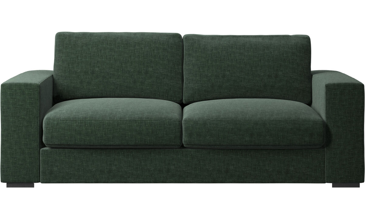 Sofás de 2 plazas y media - Sofá Cenova - En verde - Tela