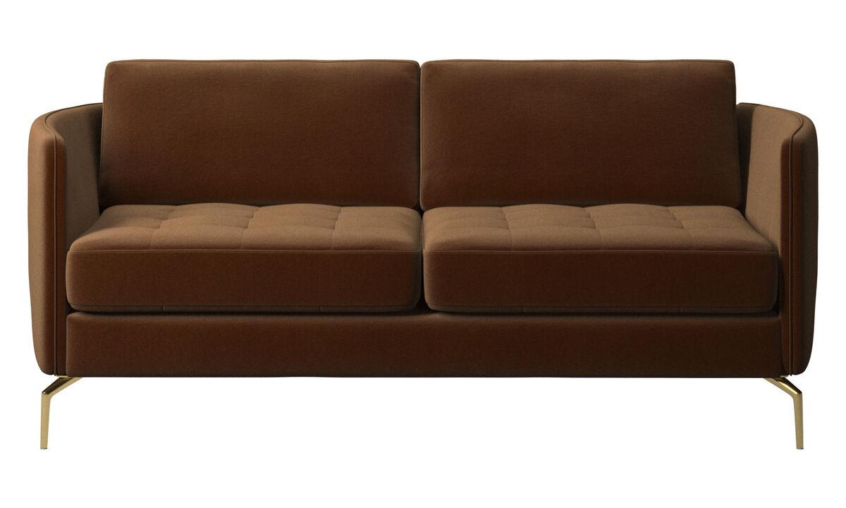 Sofás de 2 plazas - Sofá Osaka, asiento capitoné - En marrón - Tela