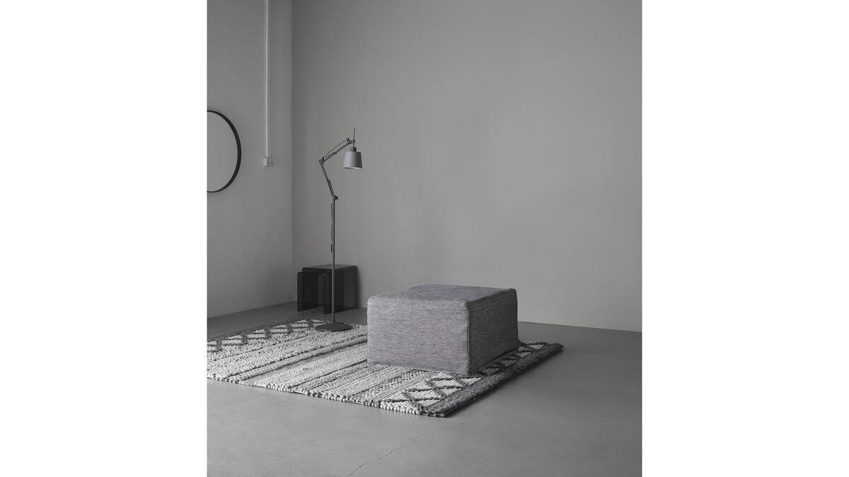 ottomanen xtra hocker mit schlaffunktion boconcept. Black Bedroom Furniture Sets. Home Design Ideas