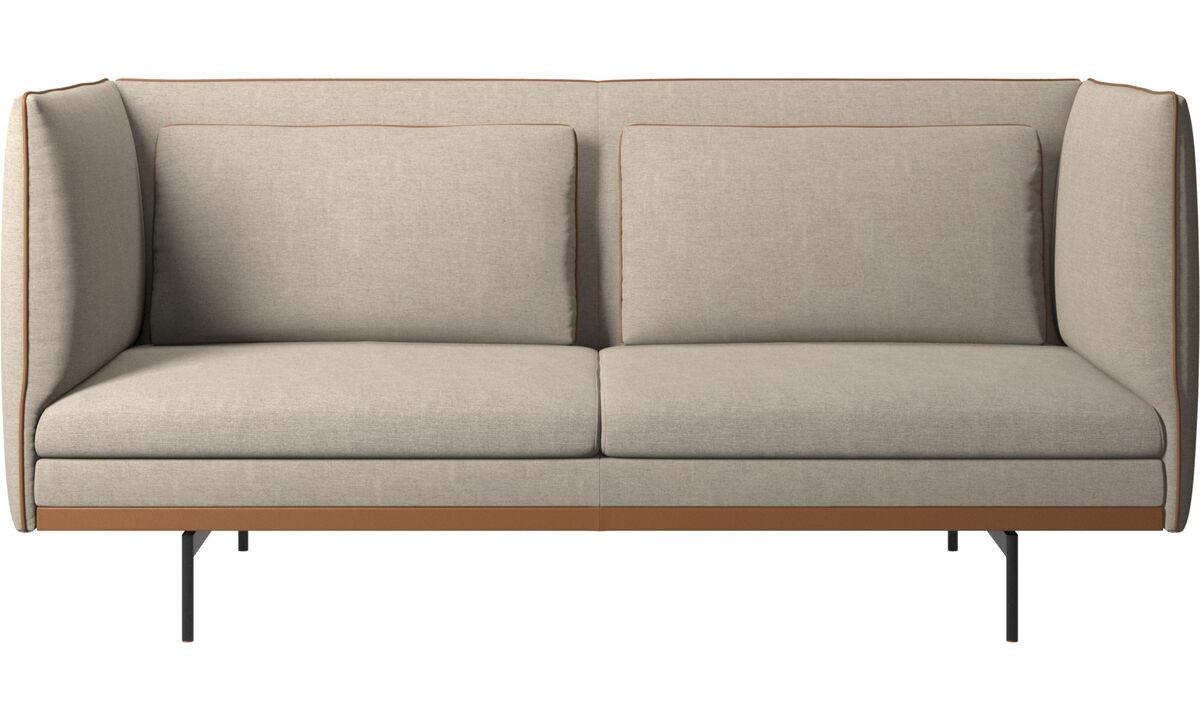 Двухместные диваны - диван Nantes с подушками - Бежевого цвета - Tканькожа