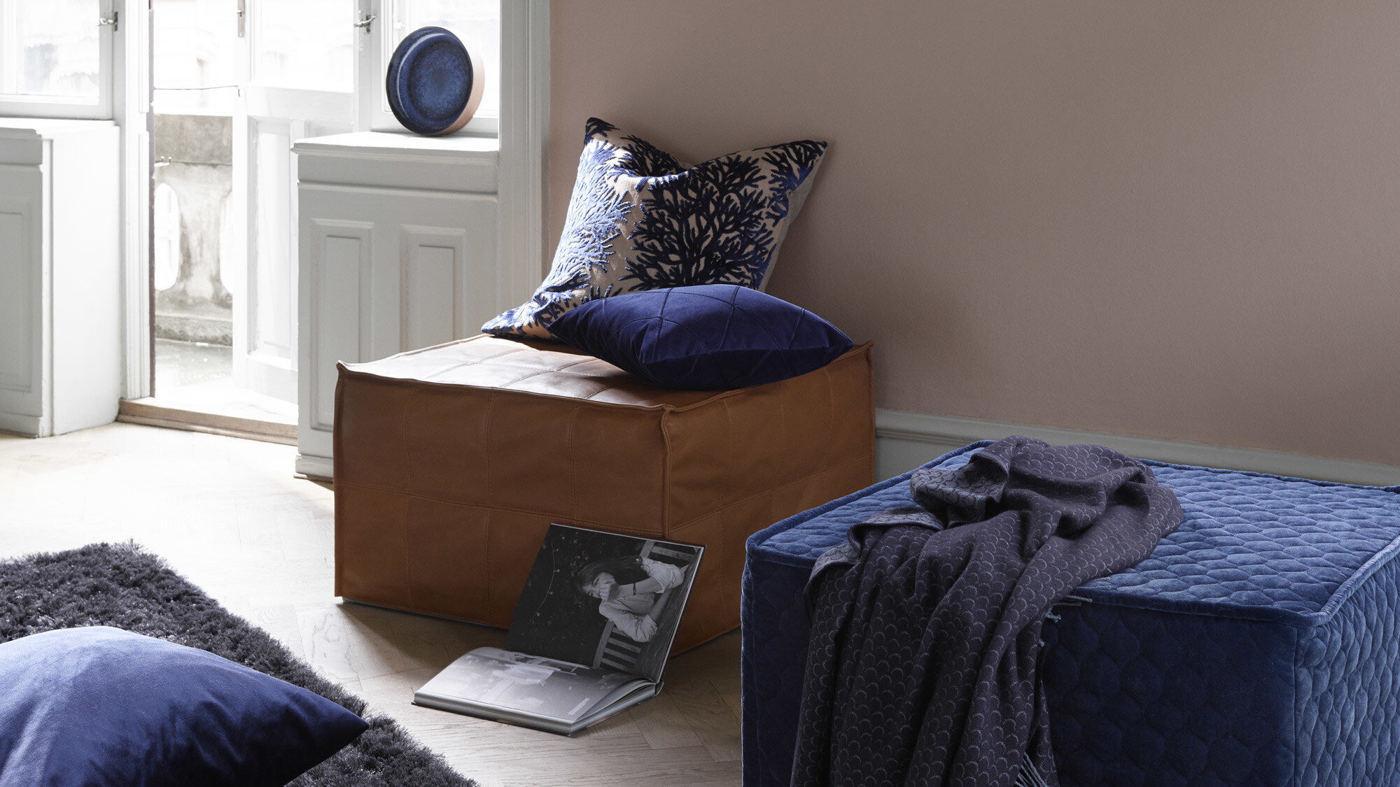 Footstools - Xtra tufted footstool with sleeping function