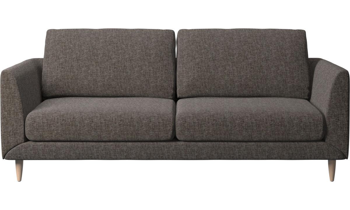 Sofás de 2 plazas y media - sofá Fargo - En marrón - Tela